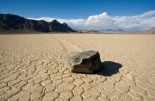 death-valley-rocks-racetrack-playa-140827-670x440-co-jeff-bandy-jpg